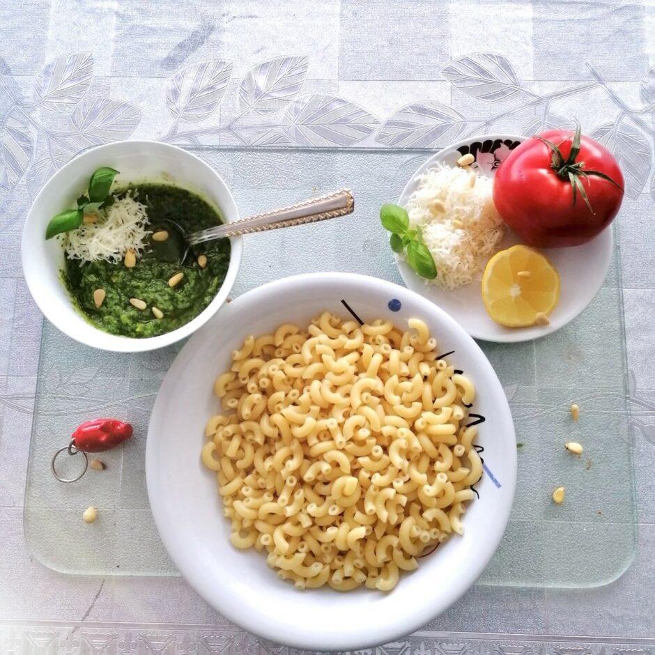 Hauptspeisemonat – Pasta mit selbst gemachter Pesto